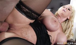 Inviting blond woman Alura Jenson loves enjoyable thick tool with her sensitive hands