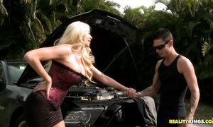 Dazzling busty blond Summer Brielle Taylor did her superlatively good to satisfy pal