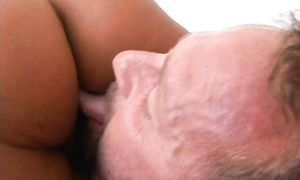 Dishy butt brunette Rio Mariah pleasures a hard prick