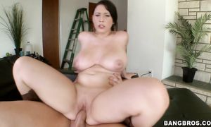 Topnotch brown-haired gal Noelle Easton with impressive natural tits is determined to become a pornstar as soon as it is possible