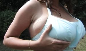 Fascinating diva Wendy with huge tits parades her big ass while preparing a meal