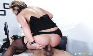Worshipped blond Nikki Sexx bangs with muscular chap