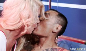 Awesome blond perfection Alura Jenson blows handsome fucker with fun
