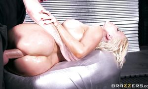 Addicted heavenly big breasted Nikki Delano welcomes her worshipper to fuck her face