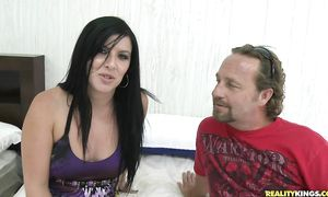 Lusty Taryn Thomas gives naughty cook jerking and rides the stick