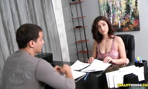 Admirable brown-haired beauty Mouna Leesa strips and sucks a thick schlong